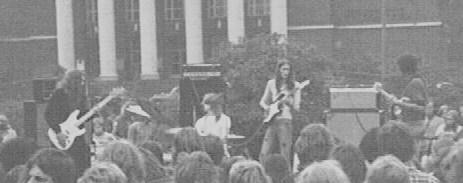 AUSZ am 20.08.1973 vor dem Stadttheater Duisburg. V.li.: Burandt, Ruhnau, Altrogge, Pelikan